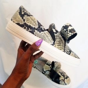 New Today🌻NW Animal Print Bow Platform Sneakers